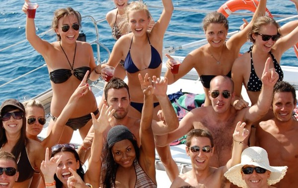 Reunion Party Yacht Caymans