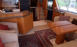 Bayliner Luxury Yacht Charters